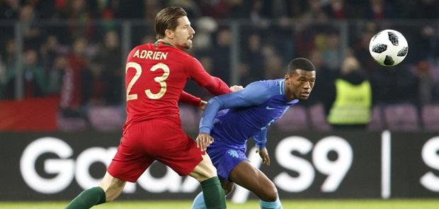 Belanda Hancurkan 10 Pemain Portugal