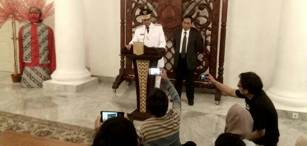 Anies Copot 29 Pejabat, Termasuk Kepala Bakesbangpol dan Disparbud