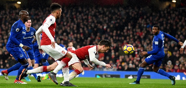 Arsenal Pesta Gol, Namun Masih Terdampar di Peringkat 6