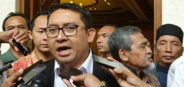 Pendukung Jokowi Pakai Hestek #DiaSibukKerja, Fadli Zon: Kerja Untuk Siapa?