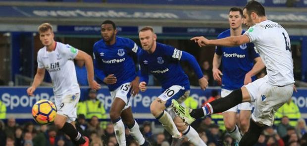 Everton Tundukkan Cystal, Swansea Keluar dari Zona Degradasi