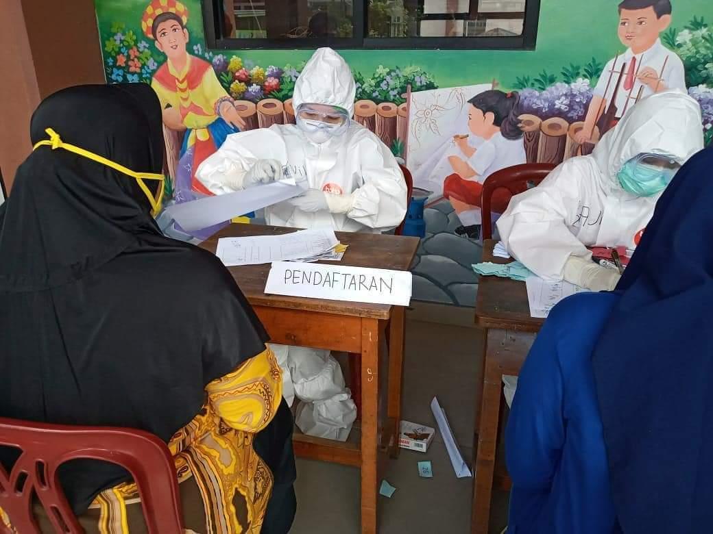 Antusiasme Warga Jakarta Ikuti Rapid Test