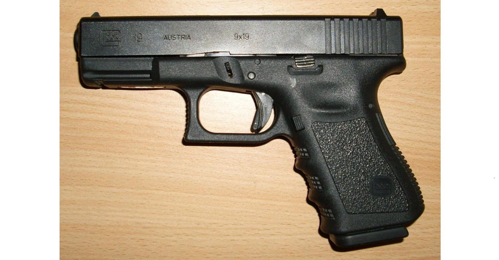 Mabes Polri Akui Tak Bisa Mengawasi Secara Ketat Setiap Senjata Anggota Polisi