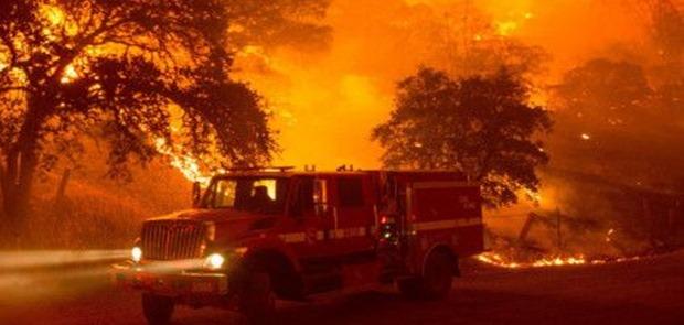 Kebakaran Hutan di California Terus Berlangsung Hanguskan Ribuan Bangunan