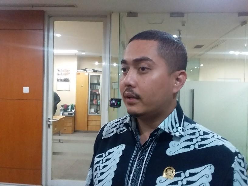 Fraksi Nasdem Dukung Rencana Anies Izinkan PKL Jualan di Trotoar, Ini Alasannya