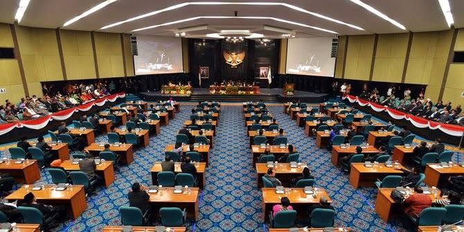 DPRD Dan Pemprov DKI Tandatangani MOU KUA-PPAS APBD DKI 2021 Rp 82,50 Trilyun