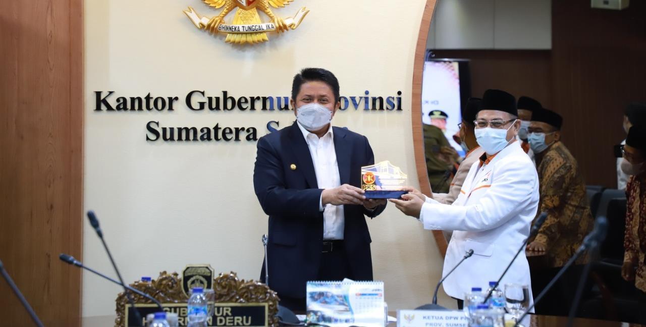 PKS Perkenal Logo Baru Kepada Gubernur Sumsel