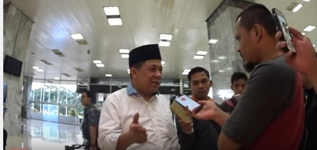 Fahri Hamzah Menduga Polisi Sangkaan Makar Sekjen FUI Dari Pesanan