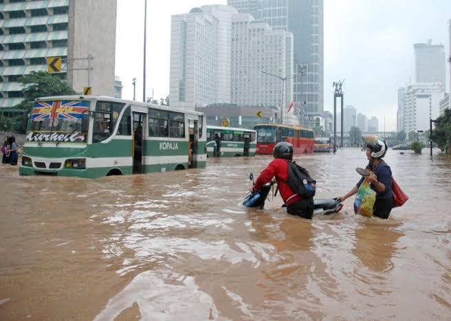 Akibat Banjir, Anies Digugat 243 Warga Jakarta