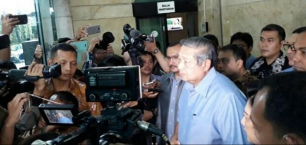 Merasa Difitnah, SBY Laporkan Pengacara Setya Novanto ke Bareskrim