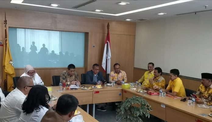 Dikunjungi Riza Patria, Fraksi Golkar Siap Dukung Jadi Wagub DKI