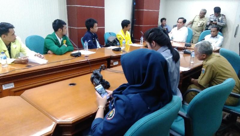 Didemo Mahasiswa Soal Pelepasan Saham di PT Delta, Tanggapan Politisi Hanura Mengagetkan