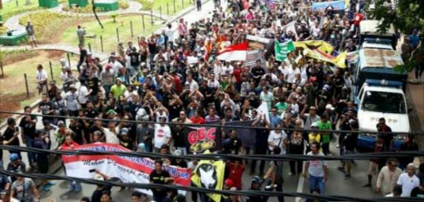 Tuntut Pencabutan Permenhub 108, Aliando Demo Istana dan Kemenhub