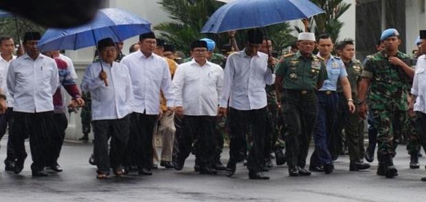 Fadli Zon dan Fahri Hamzah Bakal Hadiri Reuni 212, Jokowi Pun Sebagai Alumni Seharusnya Hadir