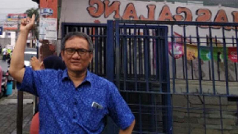 Andi Arief Laporkan 5 Pendukung Jokowi, di Antaranya Hasto dan Ngabalin