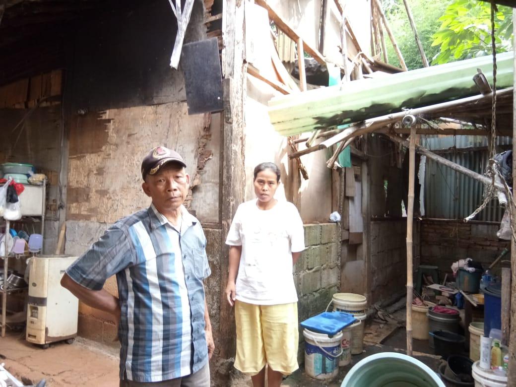Belum Diperhatikan Pemerintah, Janda di Tangsel Pasrah Tinggal di Gubuk Reyot