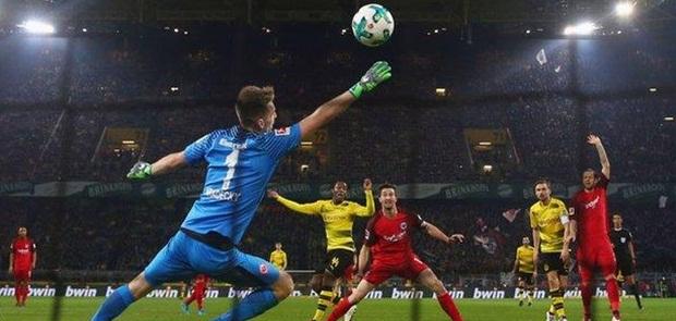 Dramatis, Batshuayi Selamatkan 3 Poin Buat Dortmund