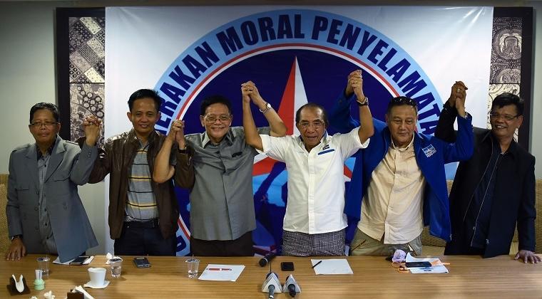 Soal KLB, Andi Arief Tuding Max Sopacua CS Mau Makelarin Kursi Ketum Demokrat