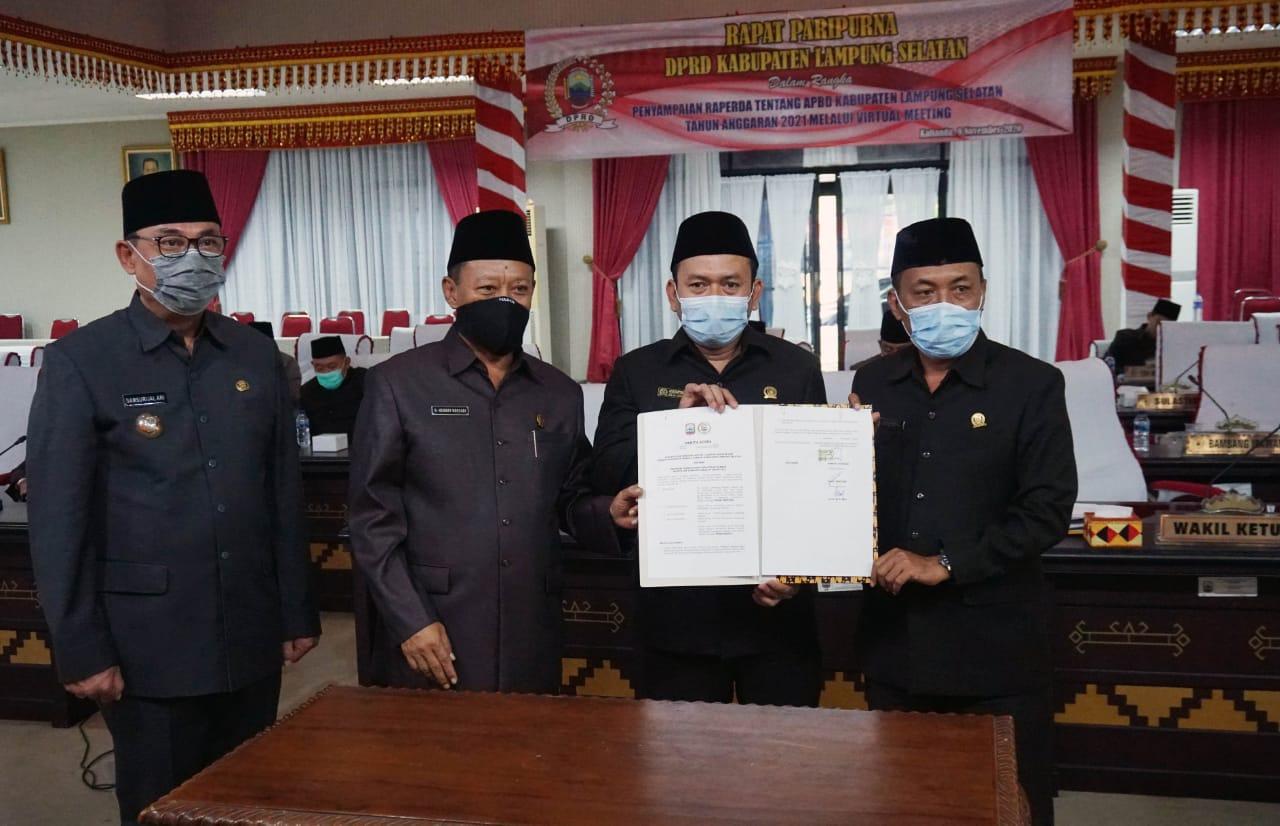 Pemkab Lampung Selatan Sampaikan Raperda APBD 2021, Pendapatan Daerah Diproyeksi Rp.2,077 Triliun