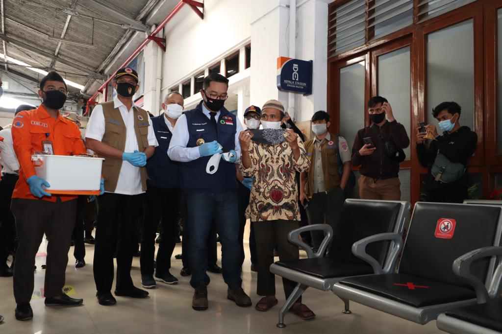 Dua Juta Masker dan Ribuan Alat Kesehatan Lain Didistribusikan Ke Jawa Barat