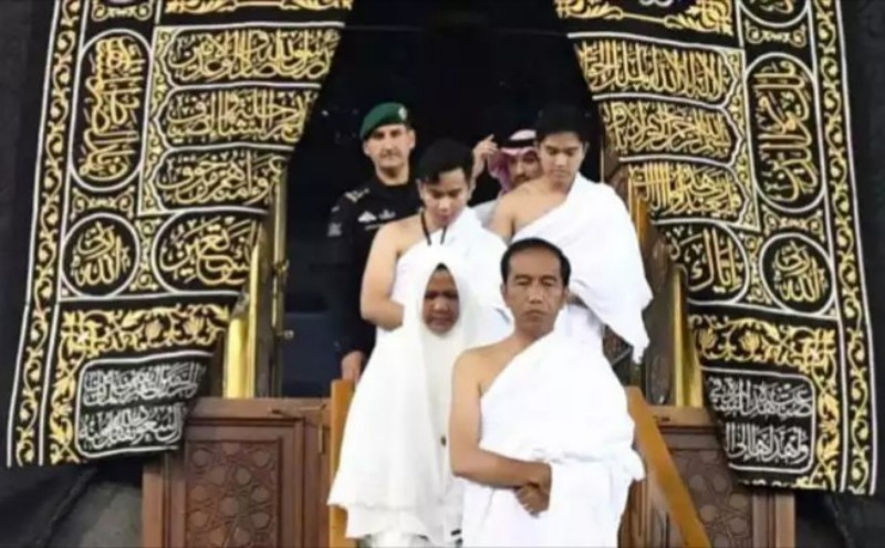 Masuk Ka'bah, Strategi Dahsyat Marketing Politik Jokowi