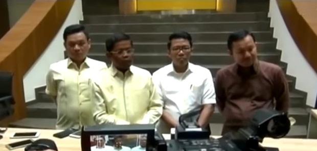 Idrus Marham Datangi Ridwan Kamil Perlihatkan SK Dukungan Pada Pilkada Jabar 2018