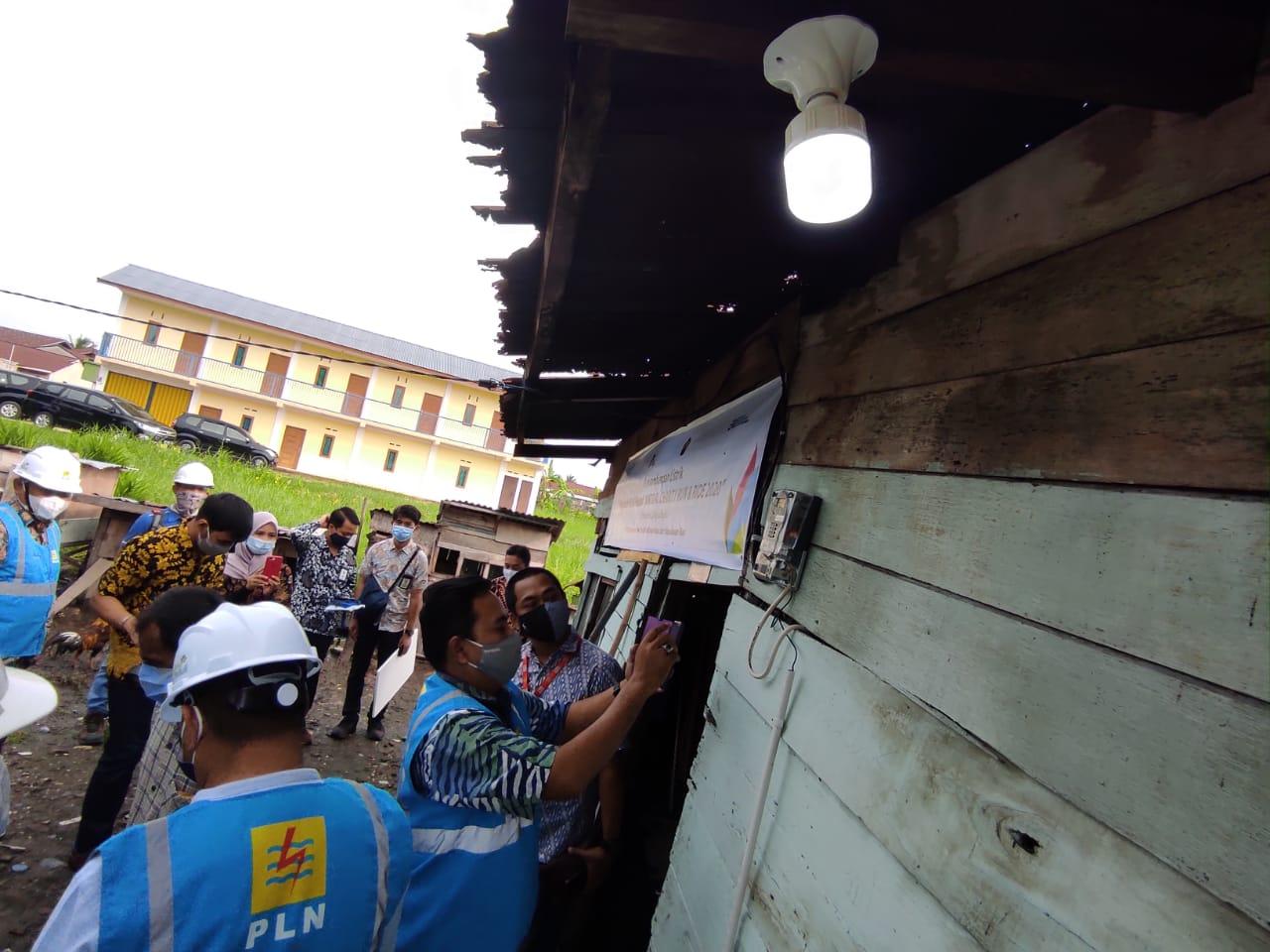 PLN Salurkan Listrik 24 Jam di Kecamatan Pulau Tiga Barat