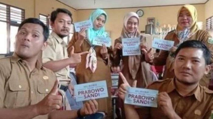 Pemecatan Guru Honorer Pamer Stiker Prabowo, Sandiaga : Kami Prihatin