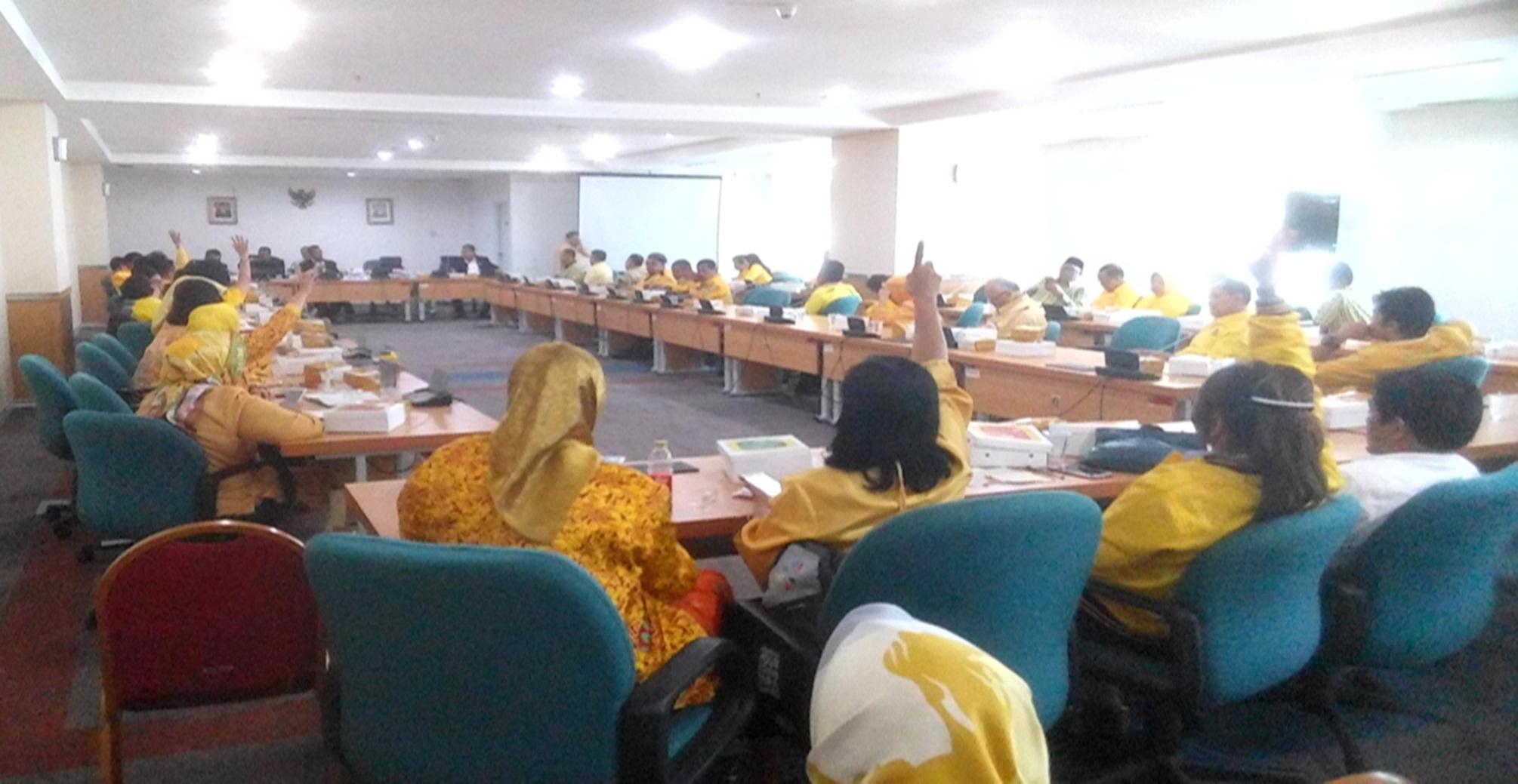 Siap Jadi Wakil Rakyat, Caleg Golkar Bertandang ke DPRD