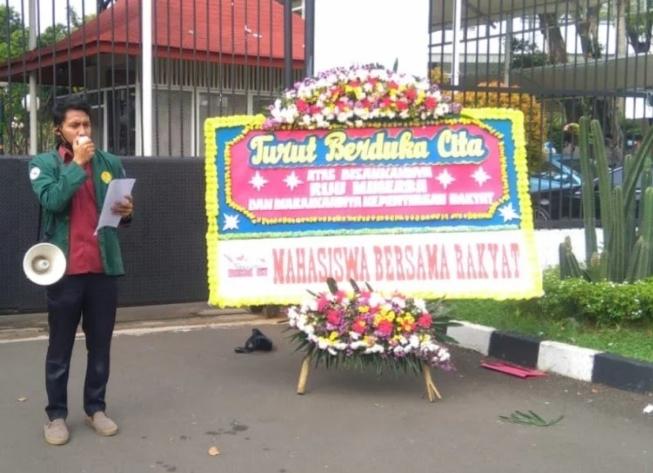 Tuntut Terbitkan Perppu, Mahasiswa Ultimatum Jokowi