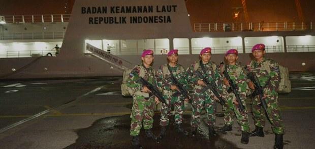 Pasukan Intai Amfibi Perkuat KN Tanjung Datu-1101