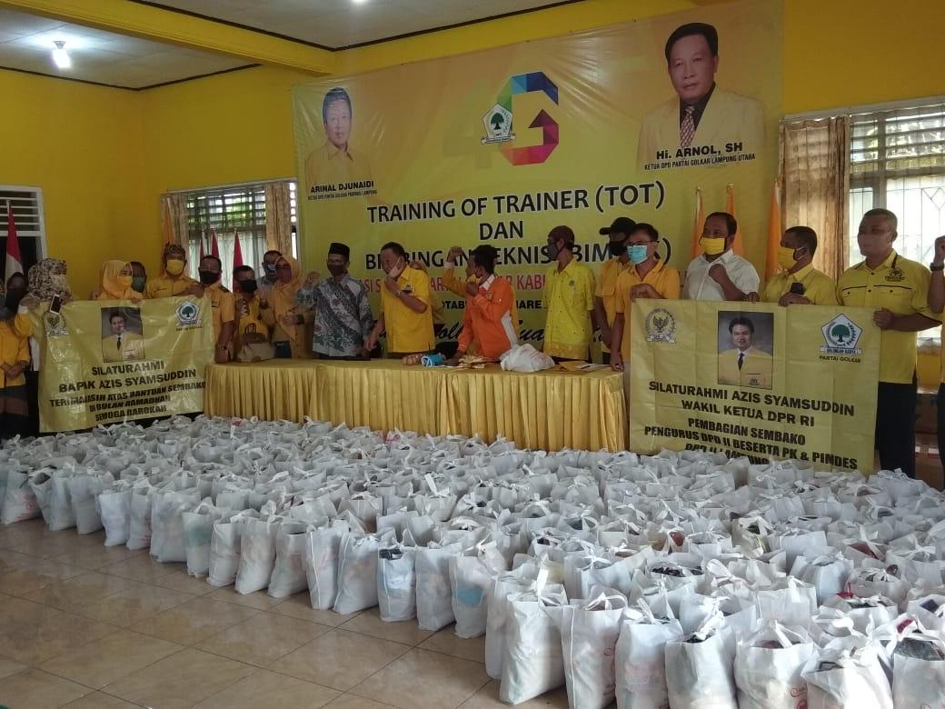 DPD Golkar Lampung Utara Bagikan Kepada Masyarakat