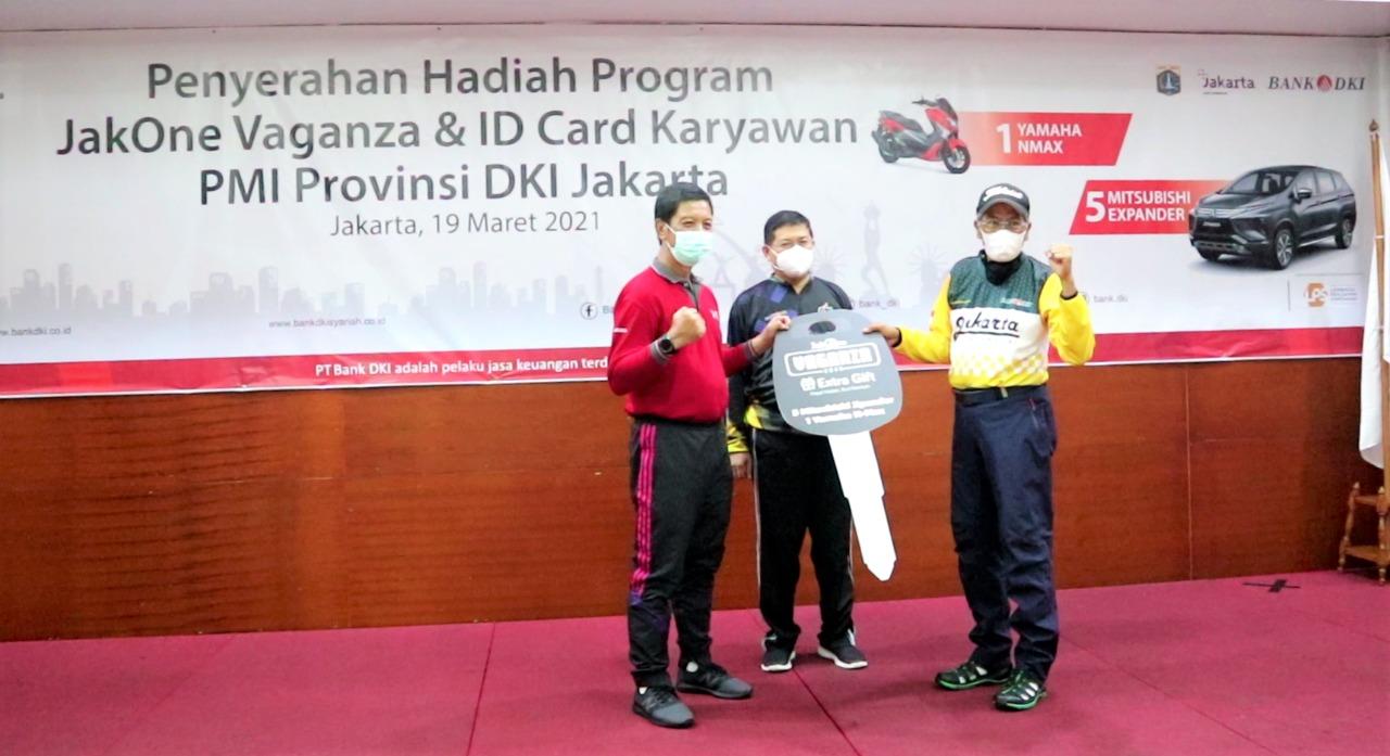 Bank DKI Serahkan Hadiah Program JakOne Vaganza Kepada PMI Provinsi DKI Jakarta