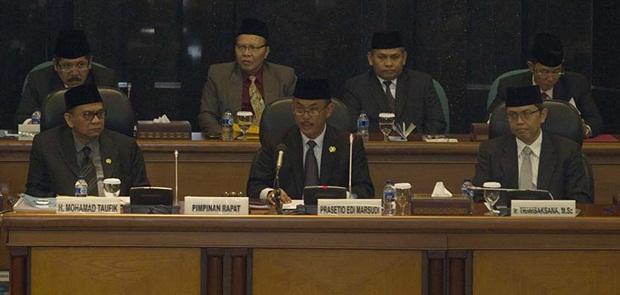 4 Wakil Ketua DPRD Diminta Desak Prasetio Gelar Sidang Anies-Sandi Pada 7 November