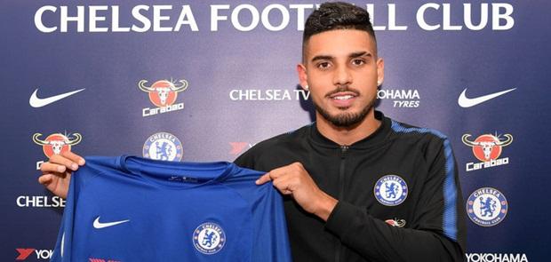 The Blues Boyong Emerson dari AS Roma