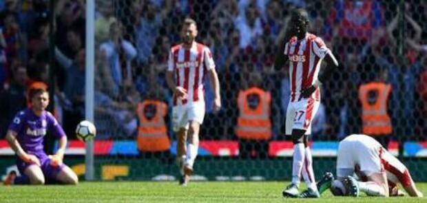 Stoke City Turun Kasta, Terlempar dari Liga Primer