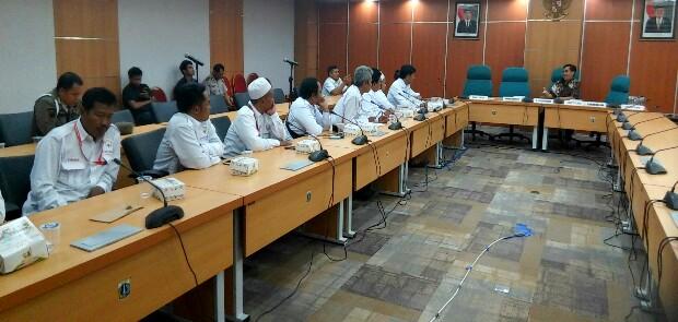 Pedagang Pasar Tuntut Fraksi PDIP dan NasDem Batalkan Penggunaan Hak Interpelasi