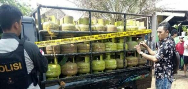 Polisi Gerebek Tempat Oplosan Gas 5 Kg dan 12 Kg