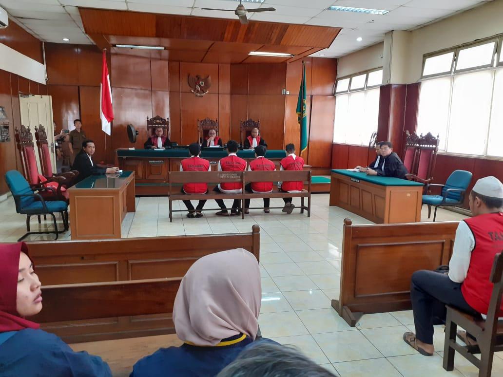Sidang Pledoi, Empat Terdakwa Kasus Perjudian Online Diminta Dibebaskan Dari Tuntutan