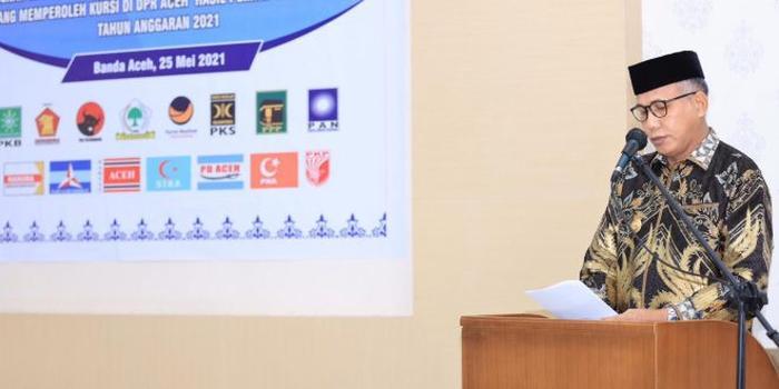 Gubernur Serahkan Bantuan Keuangan Pemerintah kepada Partai Politik di Aceh