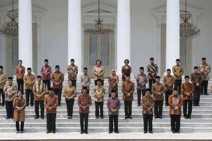Bukan Ajang 'Bagi-bagi Kue', Jokowi Diminta Rampingkan Kabinet