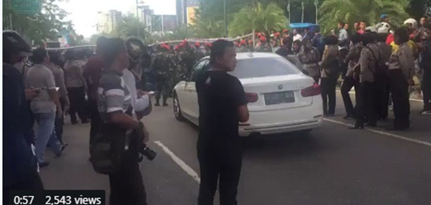 Neno Warisman Dihadang Di Bandara SSK II Pekanbaru
