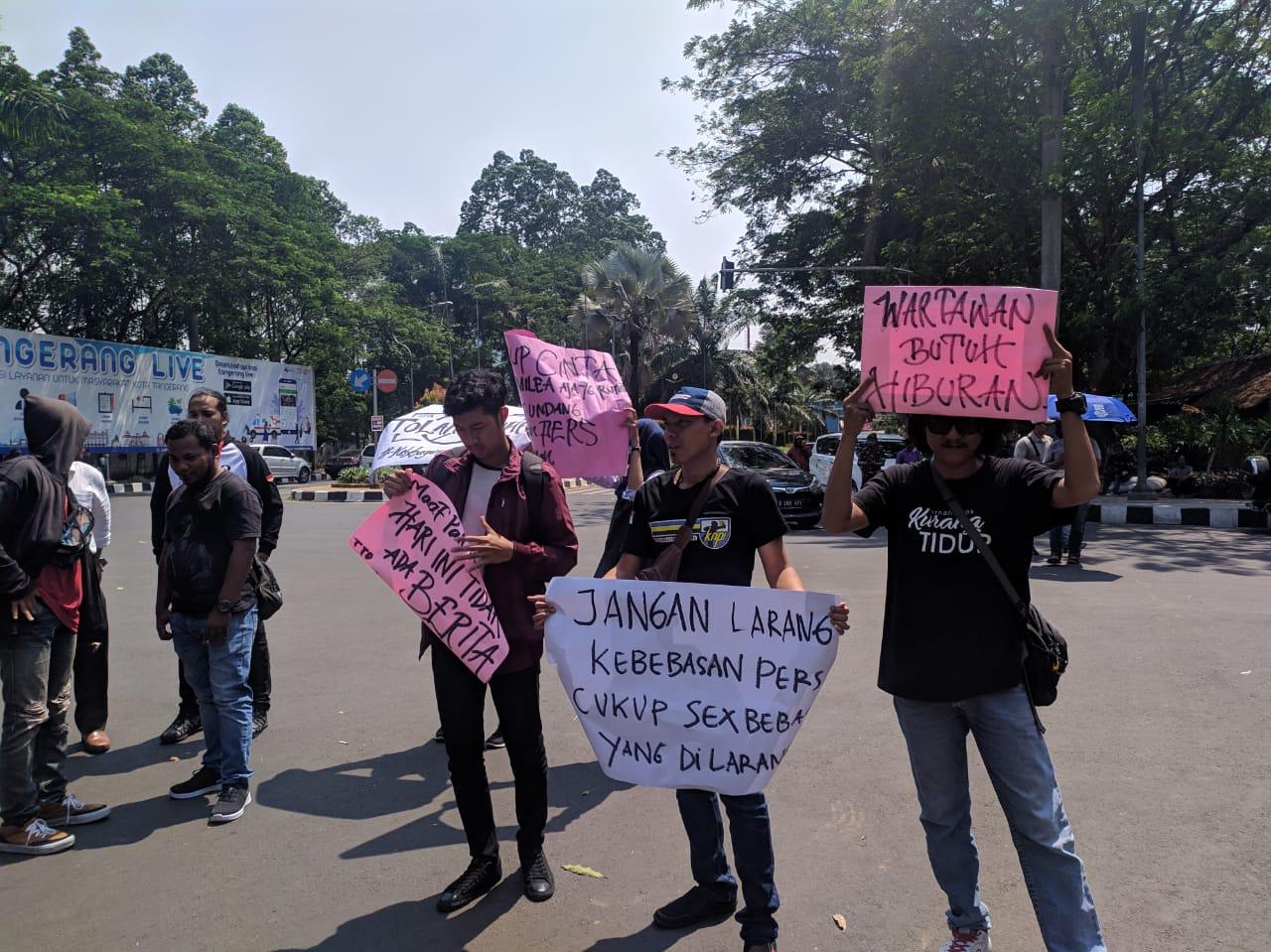 Tolak RKUHP, Wartawan di Kota Tangerang Gelar Unjuk Rasa