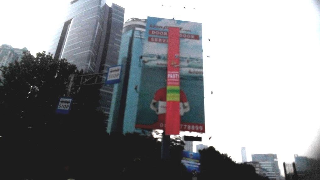 Anies Libas 60 Reklame Bodong di Kawasan Kendali Ketat