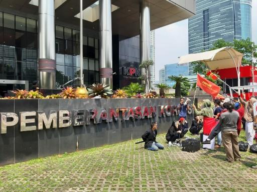Diduga Dirut Pertamina Terlibat, KPK Diminta Tak Berhenti Usut Kasus PLTU Riau