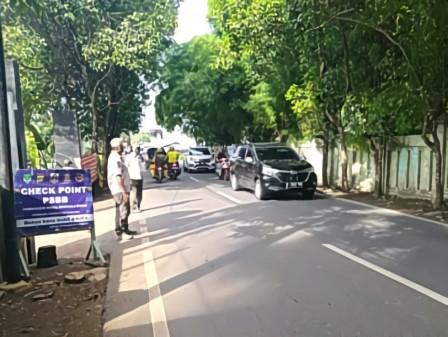 10 Pengendara Terjaring Tertib Masker di Pondok Ranggon