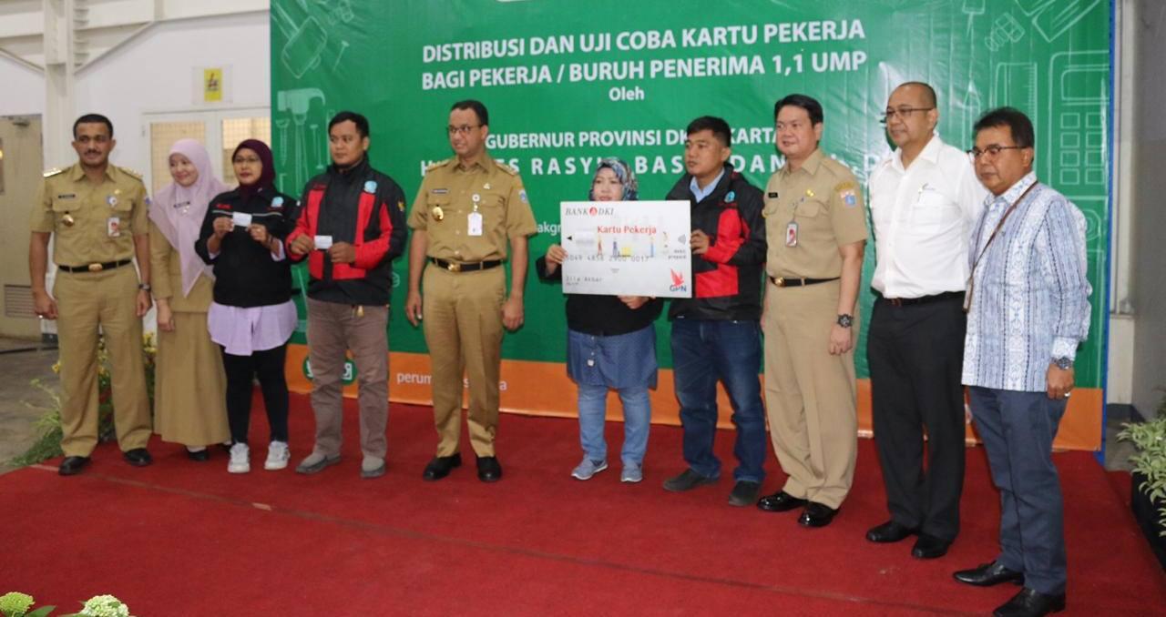 Bank DKI Berikan 3.056 Kartu Pekerja ke Buruh Jakarta