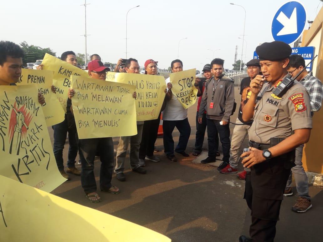 Puluhan Wartawan Tuntut Kapolres Tangkap Oknum Pelaku Kekerasan Terhadap Jurnalis