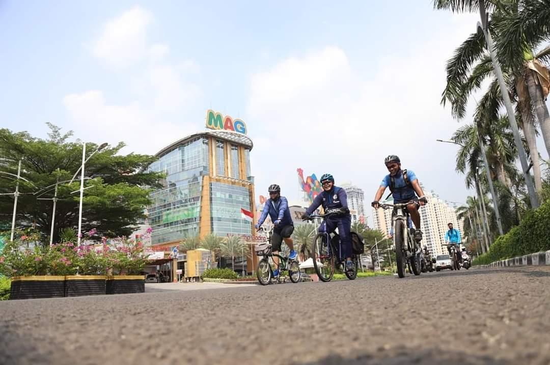 Walikota Jakarta Utara Ajak Pesepeda Pakai Helm