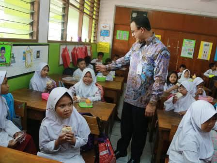 Pak Anies Please, Jangan Korbankan Anak Didik